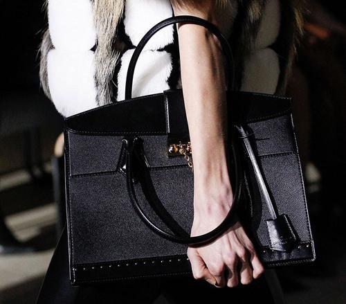 爱马仕kelly包贵,广州高仿奢侈品在哪不可不知的奢侈包包品牌
