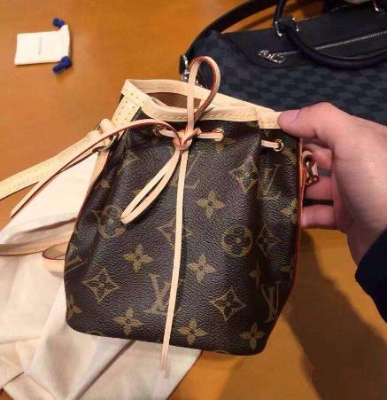 奢侈品高仿包包厂家批发高仿lv女包一般多少钱